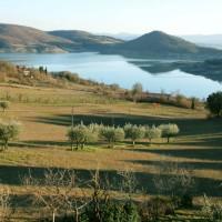 lago-di-montedoglio-in-toscana
